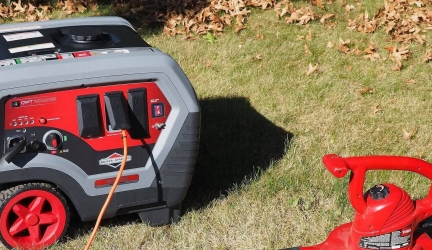 Briggs & Stratton Q6500 Review – Best Quiet Gas Generator For Home Backup