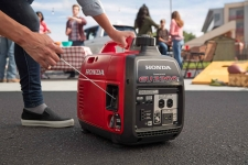8 Best Generators for Tailgating: Hang Out with Comfort